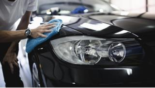 Абразивная полировка кузова автомобиля, химчистка салона или защитная полировка кузова «Жидкое стекло»! Скидка 88%!