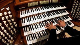 Классика звучания! Билеты на концерты органной, классической и джазовой музыки в Кафедральном соборе Святых апостолов!