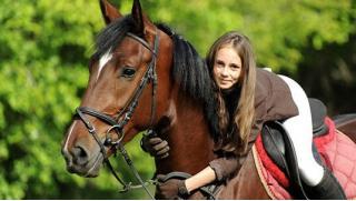 Конная прогулка! Конные прогулки в поле или лесу, экскурсионная программа по графскому имению и фотосессия в КСК Марфино!
