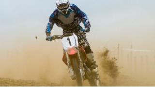 Скидка до 83% на катание на питбайке или кроссовом мотоцикле в клубе активного отдыха Pro-kvad! Заезды от 30 до 120 минут!