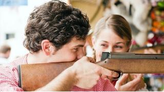 Групповое или индивидуальное занятие по стрельбе в клубе «Калибри»! Лук, арбалет, пневматика или метание ножей!