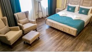 Романтический отдых для двоих в отеле Chalet Country Club! 2 дня/1 ночь в номере «Делюкс» со скидкой 55%!
