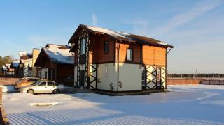 Купон на проживание в отеле! Проживание в коттеджном поселке «Покровские ворота» на 8 марта для компании до 8 человек!