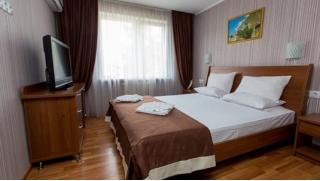 Осень в Крыму! Отдых для одного, двоих или троих в санатории «Славутич»! Заезды с 15 по 31 октября со скидкой 30%!