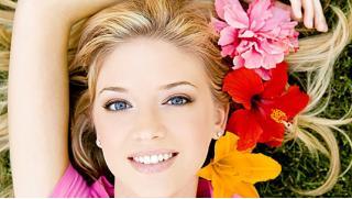 Косметологические услуги в Студии LaserMedica! УЗ-чистка лица, биофитопилинг, карбоновый и коралловый пилинги и многое другое!